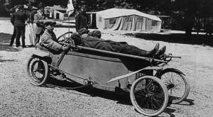 1912-Bedelia-ambulance